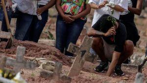 Brasil continúa bajando su promedio de muertes diarias por Covid-19