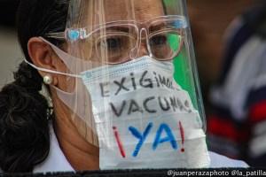 EN IMÁGENES: Ciudadanos y sector salud exigen el ingreso inmediato de las vacunas a Venezuela