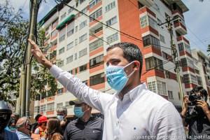 Guaidó durante marcha del sector salud: Esta movilización es la vacuna para salvar a Venezuela