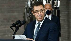 CEO de Pfizer dijo que vacunados contra el Covid-19 necesitarán tercera dosis en 12 meses