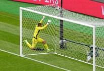 El gol del checo Patrik Schick desde 45,5 metros, es el más lejano jamás registrado en la Eurocopa