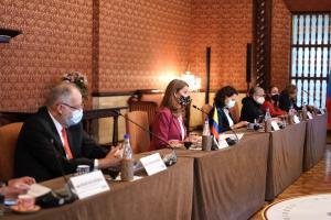 Vicepresidenta de Colombia dice a Bachelet que su país garantiza el derecho a la protesta