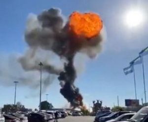 Una gasolinera explota y una bola de fuego se dispara al cielo y deja varios heridos en Rusia (Fotos)