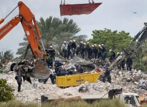 Aumentan a 97 los muertos por el derrumbe de edificio en Miami