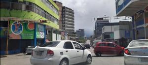 La anarquía vial gobierna las calles de San Cristóbal