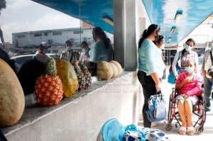 El drama de los pacientes renales en Venezuela: Para sobrevivir se rebuscan vendiendo alimentos en centros de salud