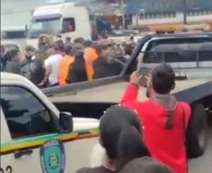¡A los puños! Al menos un lesionado dejó trifulca entre las Faes y PoliSucre (VIDEO)