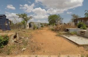 Entre el abandono y la profanación: Así se encuentran los cementerios del estado Zulia
