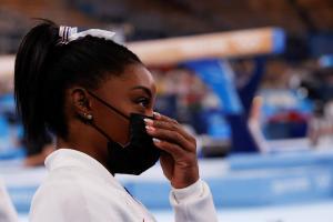 Simone Biles se retira de la final individual para centrarse en su salud mental