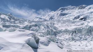 Identificaron 28 virus de 15 mil años de antigüedad en deshielo de glaciares tibetanos