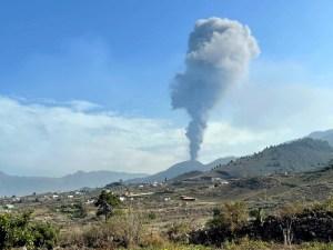 Sismos, cenizas y lava llegando al mar: Cronología de la erupción del volcán Cumbre Vieja