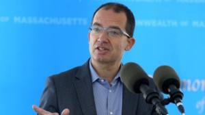El director del laboratorio Moderna pronosticó cuándo terminará la pandemia de coronavirus