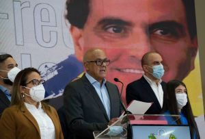 El País: El chavismo afronta su golpe más duro en años tras la extradición de Alex Saab