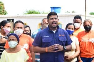 En el Barrio 14 de noviembre de Maracaibo viven entre aguas negras desde hace cuatro años