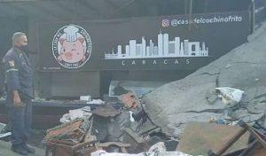 """EN VIDEO: Colapsó el techo del popular restaurante """"Mi Cochino Frito"""" en El Hatillo"""