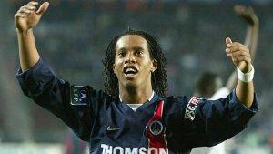 La invitación del PSG a Ronaldinho que generó polémica en Barcelona